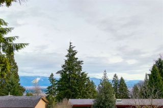 Photo 3: 2978 SURF CRESCENT in Coquitlam: Ranch Park House for sale : MLS®# R2125319
