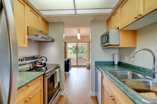 Photo 7: 111 1709 McKenzie Ave in Saanich: SE Mt Tolmie Row/Townhouse for sale (Saanich East)  : MLS®# 883098