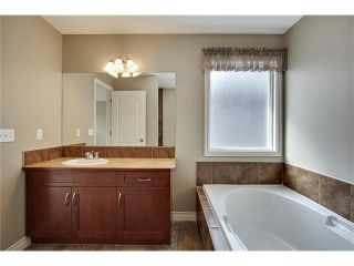 Photo 18: 788 Luxstone Landing SW: Airdrie House for sale : MLS®# C4083627