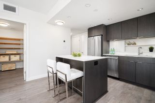 """Photo 9: 1102 111 E 1ST Avenue in Vancouver: Mount Pleasant VE Condo for sale in """"BLOCK 100"""" (Vancouver East)  : MLS®# R2617874"""