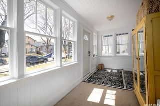 Photo 4: 202 28th Street West in Saskatoon: Caswell Hill Residential for sale : MLS®# SK860382