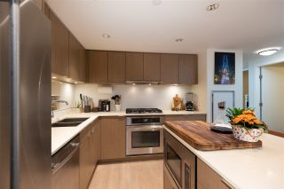 """Photo 9: 1111 111 E 1ST Avenue in Vancouver: Mount Pleasant VE Condo for sale in """"BLOCK 100"""" (Vancouver East)  : MLS®# R2565026"""