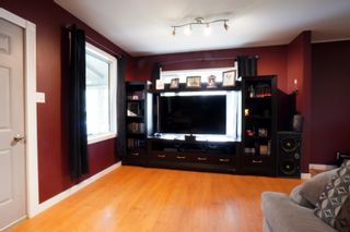 Photo 4: 45 6th Street NE in Portage la Prairie: House for sale : MLS®# 202112294