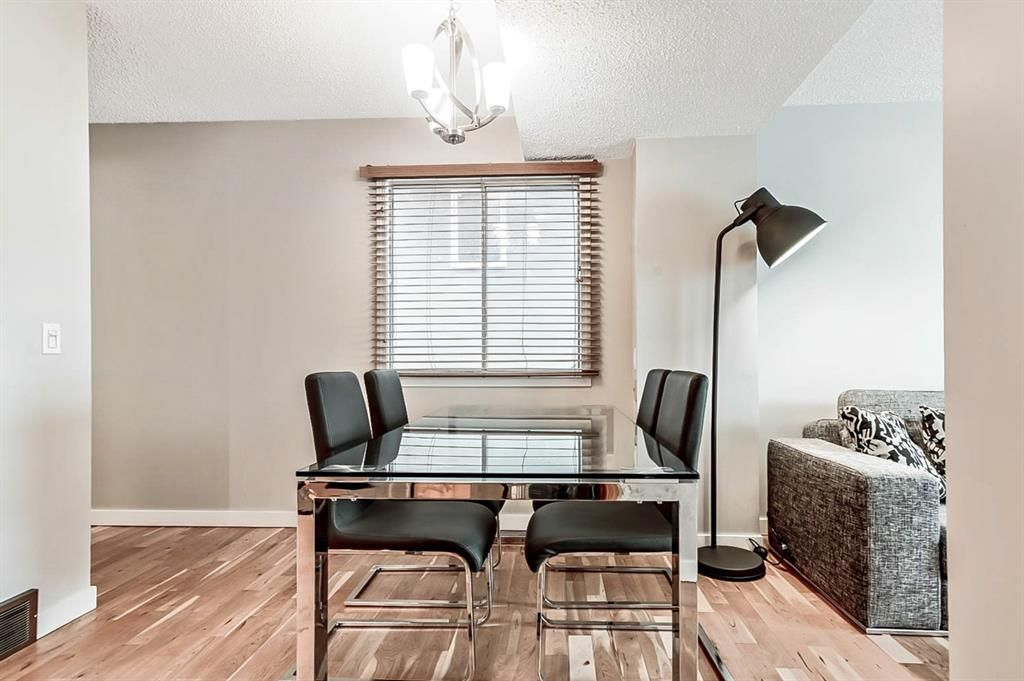Photo 10: Photos: 2621C 1 Avenue NW in Calgary: West Hillhurst Row/Townhouse for sale : MLS®# A1111551