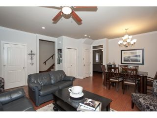 Photo 4: 19473 67A Avenue in Surrey: Clayton House for sale (Cloverdale)  : MLS®# R2035469