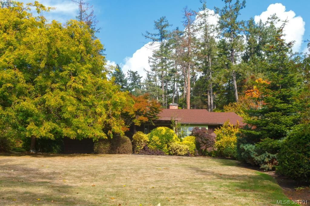 Main Photo: 710 Aboyne Ave in NORTH SAANICH: NS Ardmore House for sale (North Saanich)  : MLS®# 771950
