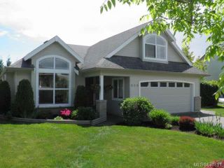 Photo 1: 950 Brooks Pl in COURTENAY: CV Courtenay East House for sale (Comox Valley)  : MLS®# 671811