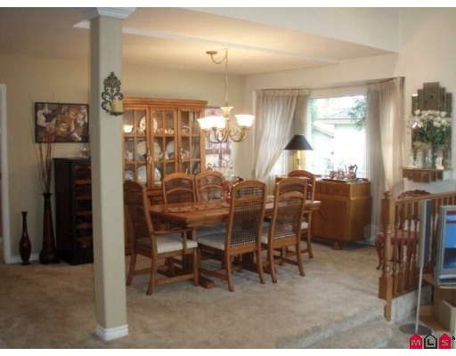 Photo 3: Photos: 16245 SOUTHGLEN PL in Surrey: House for sale : MLS®# F2832603