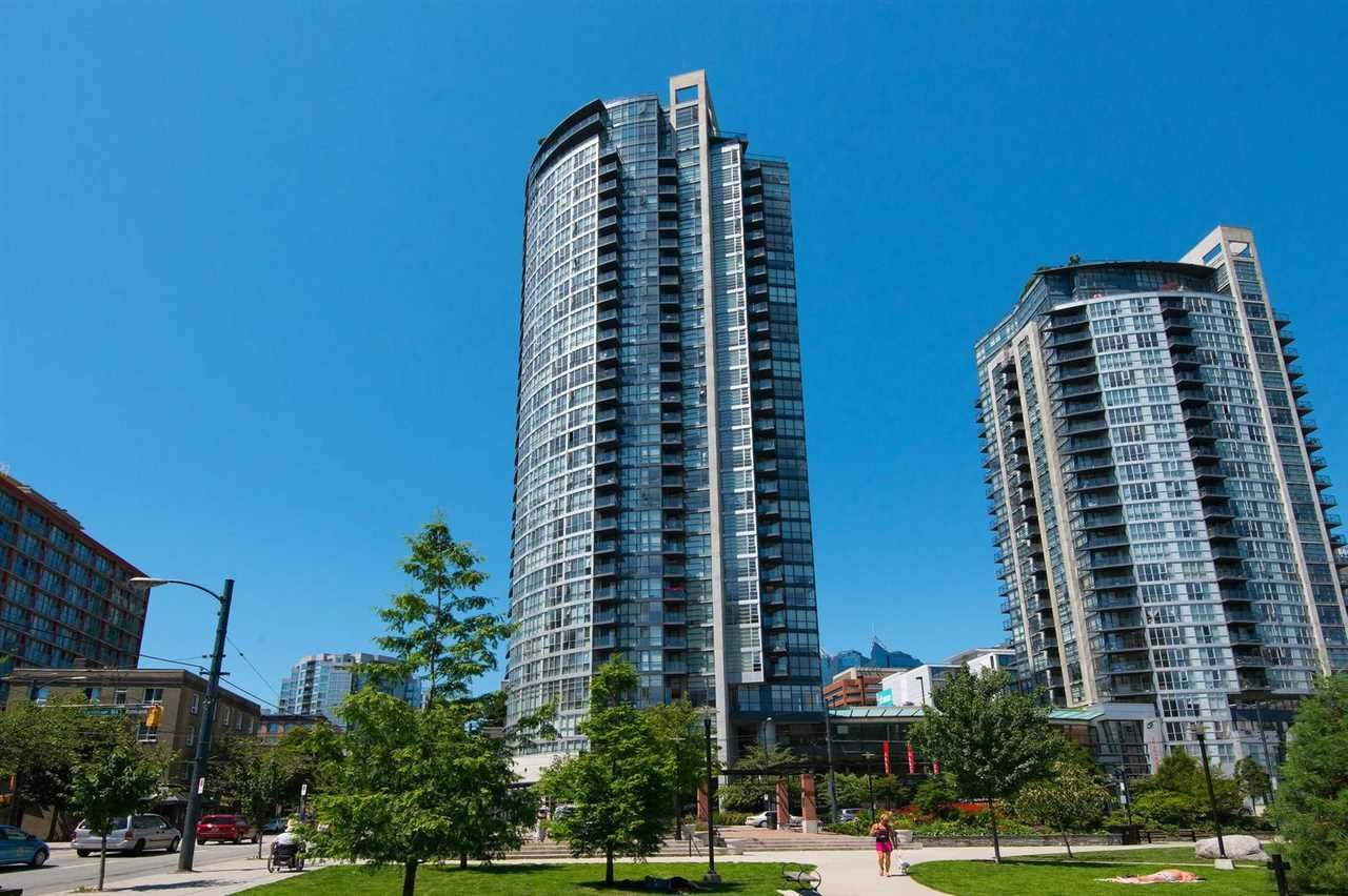 "Main Photo: 706 1199 SEYMOUR Street in Vancouver: Downtown VW Condo for sale in ""BRAVA"" (Vancouver West)  : MLS®# R2531853"