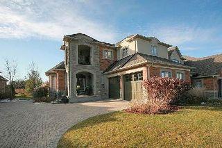 Photo 1: 104 24 Bonnell Crest in Aurora: Aurora Estates Condo for sale : MLS®# N2886079