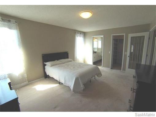 Photo 14: Photos: 606 Forsyth Crescent in Saskatoon: Erindale Single Family Dwelling for sale (Saskatoon Area 01)  : MLS®# 568828