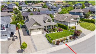 Photo 1: 1740 Northeast 22 Street in Salmon Arm: Lakeview Meadows House for sale : MLS®# 10213382