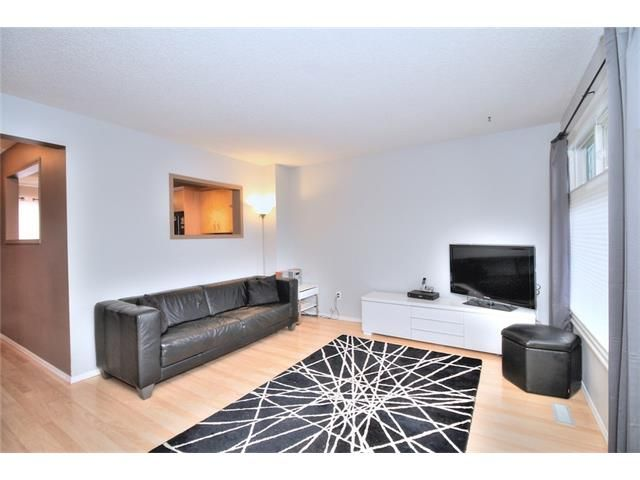 Photo 6: Photos: 108 SHAWGLEN Road SW in Calgary: Shawnessy House for sale : MLS®# C4038520