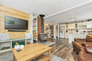 Photo 3: 2815 Meadowview Rd in : ML Shawnigan House for sale (Malahat & Area)  : MLS®# 858524