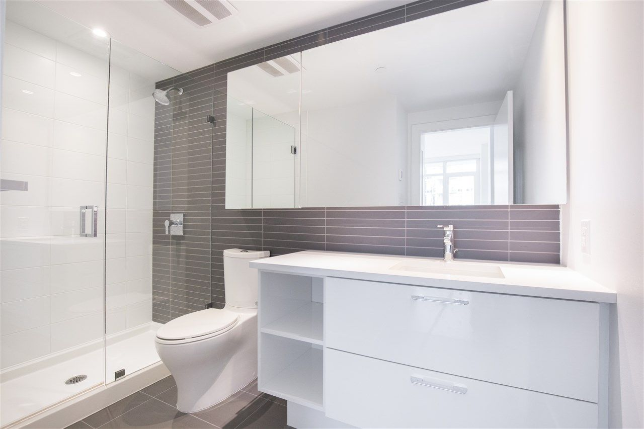 """Photo 13: Photos: 302 8538 RIVER DISTRICT Crossing in Vancouver: South Marine Condo for sale in """"ONE TOWN CENTRE"""" (Vancouver East)  : MLS®# R2430166"""