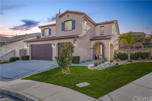 FEATURED LISTING: 36387  Yarrow Court Lake Elsinore