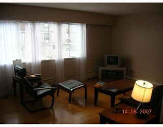 Photo 5: 8 1420 CHESTERFIELD Avenue in North_Vancouver: Central Lonsdale Condo for sale (North Vancouver)  : MLS®# V654049