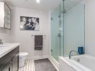 """Photo 7: 605 821 CAMBIE Street in Vancouver: Downtown VW Condo for sale in """"Raffles on Robson"""" (Vancouver West)  : MLS®# R2450056"""
