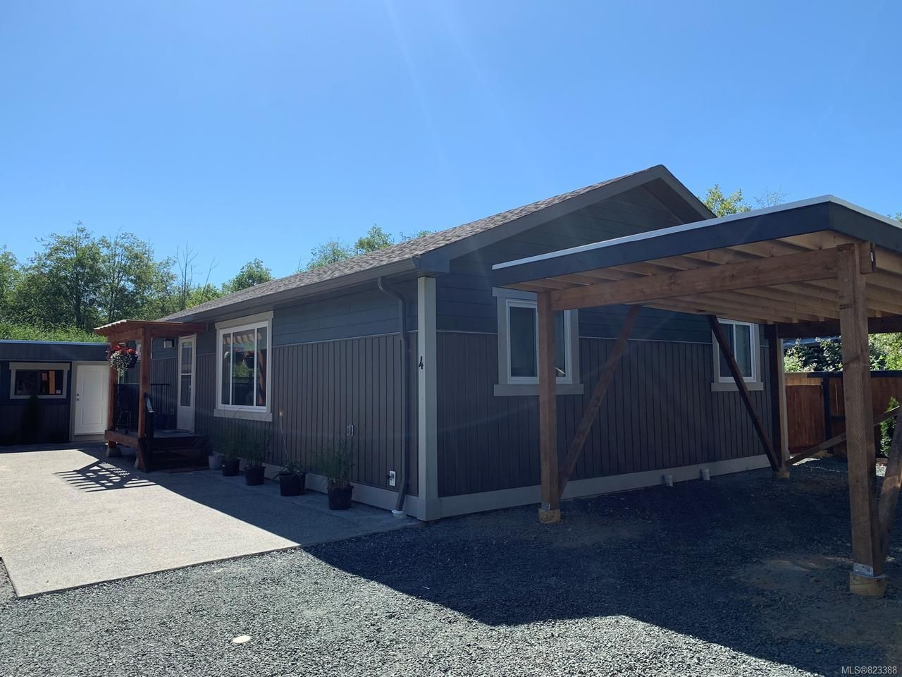 Main Photo: 4 1885 WILLIS ROAD in CAMPBELL RIVER: CR Campbell River West House for sale (Campbell River)  : MLS®# 823388