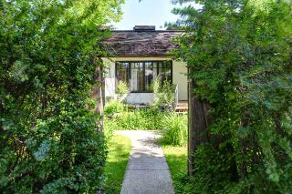 Photo 5: 242 24 Avenue NE in CALGARY: Tuxedo Residential Detached Single Family for sale (Calgary)  : MLS®# C3624676