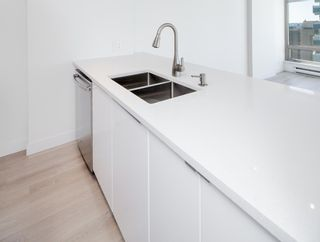"""Photo 13: 1903 1200 ALBERNI Street in Vancouver: West End VW Condo for sale in """"THE PACIFIC PALISADES"""" (Vancouver West)  : MLS®# R2211458"""