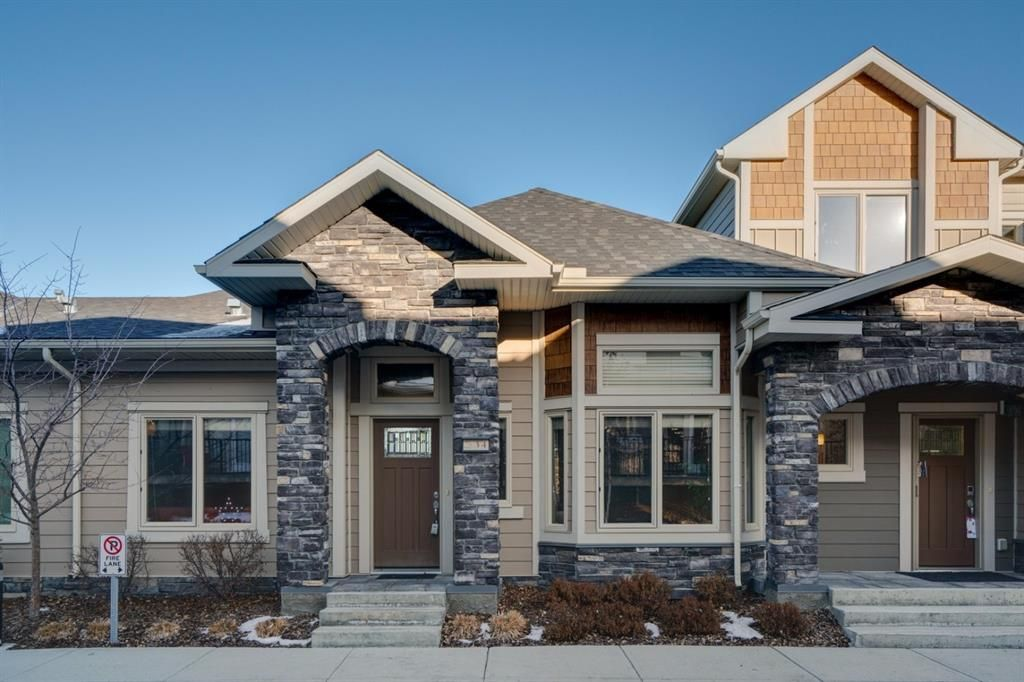 Main Photo: 34 Cougar Ridge Landing SW in Calgary: Cougar Ridge Row/Townhouse for sale : MLS®# A1075174