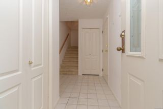 Photo 5: 401 288 Eltham Rd in View Royal: VR View Royal Row/Townhouse for sale : MLS®# 883864