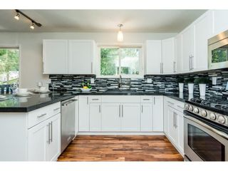 Photo 10: 3807 201A Street in Langley: Brookswood Langley House for sale : MLS®# R2278368