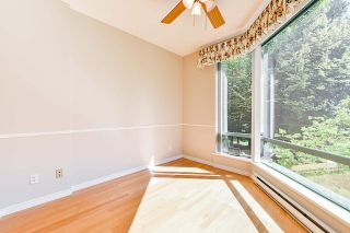 """Photo 10: 203 1705 MARTIN Drive in Surrey: Sunnyside Park Surrey Condo for sale in """"Southwynd"""" (South Surrey White Rock)  : MLS®# R2576884"""