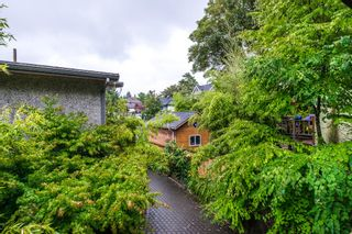 """Photo 12: 1559 E 20TH Avenue in Vancouver: Knight House for sale in """"GIBSON CLOSE"""" (Vancouver East)  : MLS®# R2089733"""