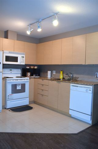 """Photo 3: 401 13618 100 Avenue in Surrey: Whalley Condo for sale in """"INFINITY TOWERS"""" (North Surrey)  : MLS®# R2501888"""