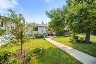 Photo 4: 3212 4A Street NW in Calgary: Mount Pleasant Detached for sale : MLS®# A1131998