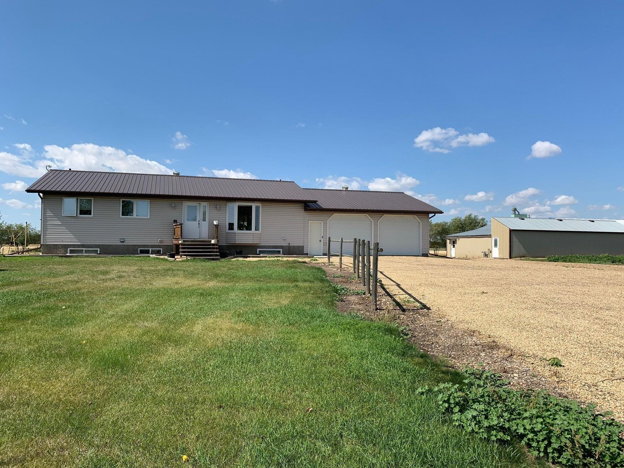 Main Photo: 44346 856 Highway: Rural Flagstaff County House for sale : MLS®# E4261041
