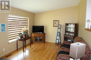 Photo 6: 728 McDougall Street in Pincher Creek: House for sale : MLS®# A1142581