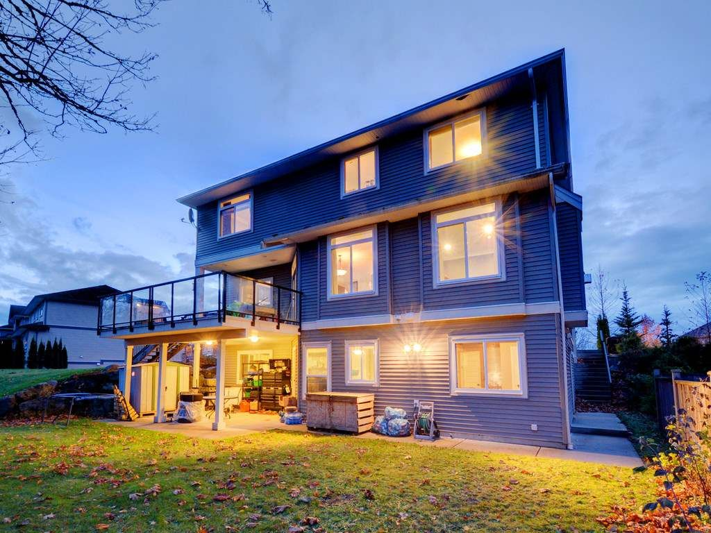 """Photo 4: Photos: 3998 CAVES Court in Abbotsford: Abbotsford East House for sale in """"SANDY HILL"""" : MLS®# R2222568"""