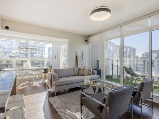 """Photo 2: 2001 1055 RICHARDS Street in Vancouver: Downtown VW Condo for sale in """"Donovan"""" (Vancouver West)  : MLS®# R2555936"""