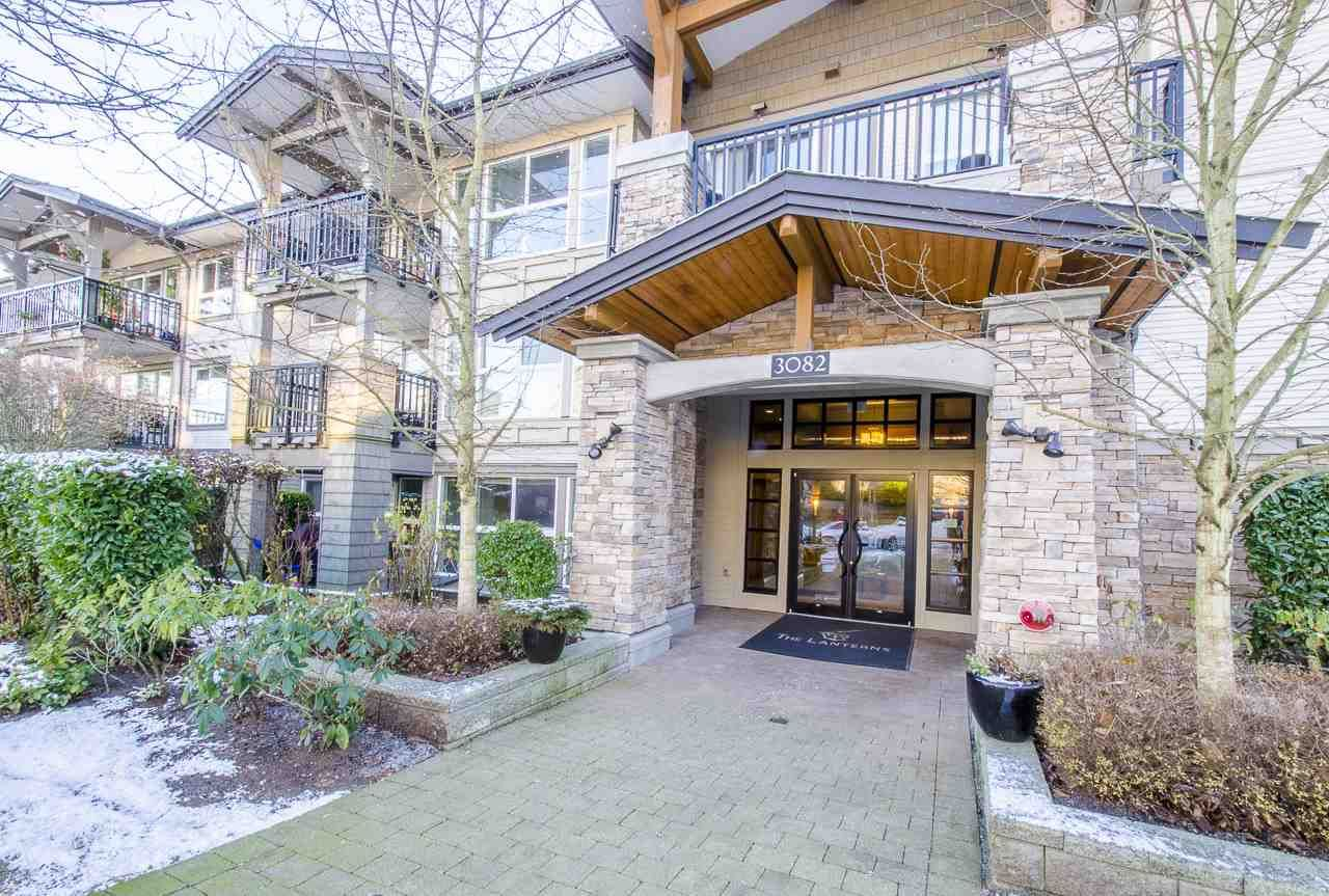 """Main Photo: 213 3082 DAYANEE SPRINGS Boulevard in Coquitlam: Westwood Plateau Condo for sale in """"LANTERNS"""" : MLS®# R2127277"""
