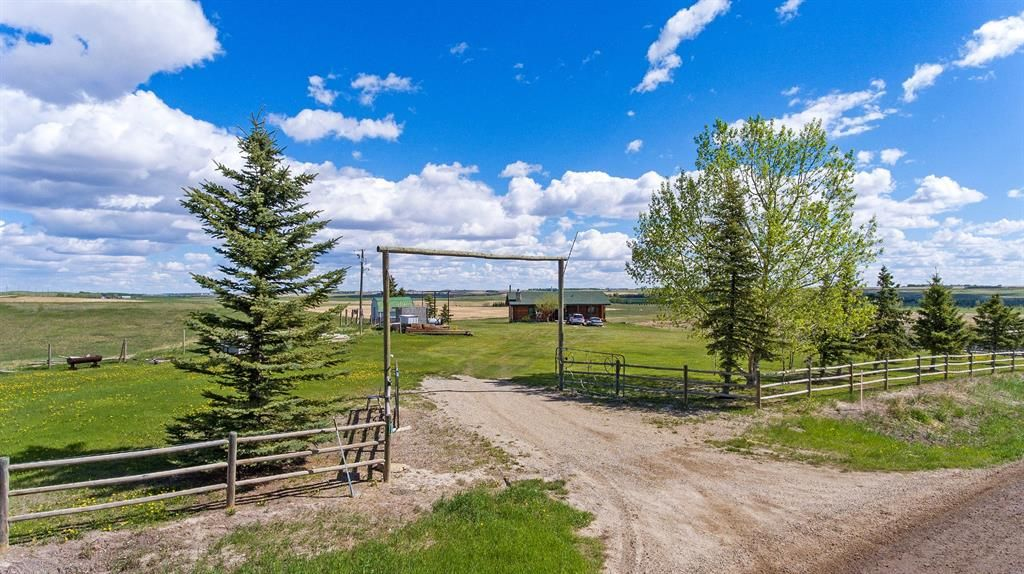 Main Photo: 275004 Range Road 12 in Rural Rocky View County: Rural Rocky View MD Detached for sale : MLS®# A1090282