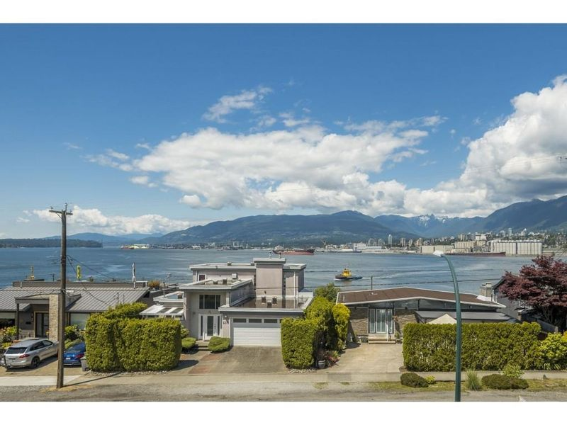 FEATURED LISTING: 302 2366 WALL Street Vancouver