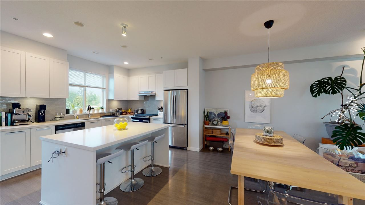 """Main Photo: 11 39548 LOGGERS Lane in Squamish: Brennan Center Townhouse for sale in """"Seven Peaks"""" : MLS®# R2586448"""
