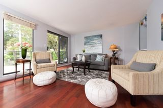 """Photo 10: 4304 NAUGHTON Avenue in North Vancouver: Deep Cove Townhouse for sale in """"COVE GARDEN TOWNHOUSES"""" : MLS®# R2179628"""