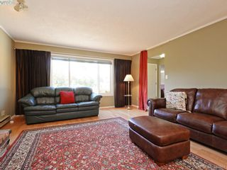 Photo 5: 1216 Loenholm Rd in VICTORIA: SW Layritz House for sale (Saanich West)  : MLS®# 769227