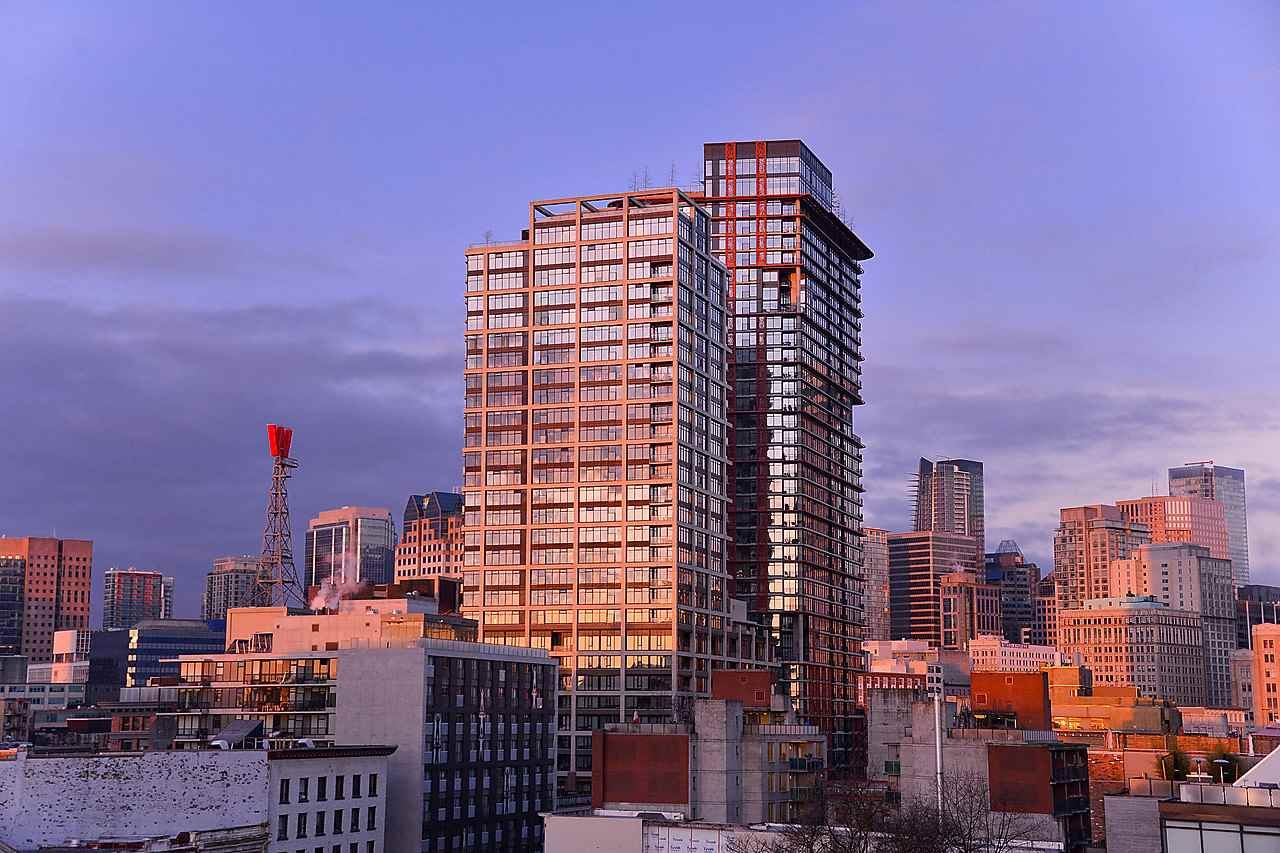 """Main Photo: 1203 108 W CORDOVA Street in Vancouver: Downtown VW Condo for sale in """"Woodwards W32"""" (Vancouver West)  : MLS®# R2322561"""