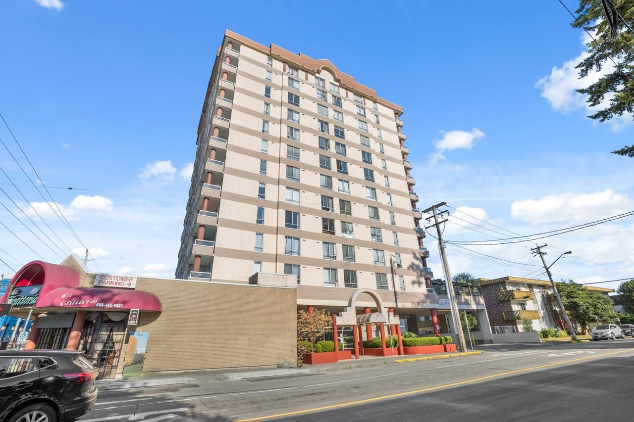 """Main Photo: 403 11980 222 Street in Maple Ridge: West Central Condo for sale in """"GORDON TOWER"""" : MLS®# R2605261"""