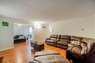 Photo 5: 19027 117A Avenue in Pitt Meadows: Central Meadows House for sale : MLS®# R2415432