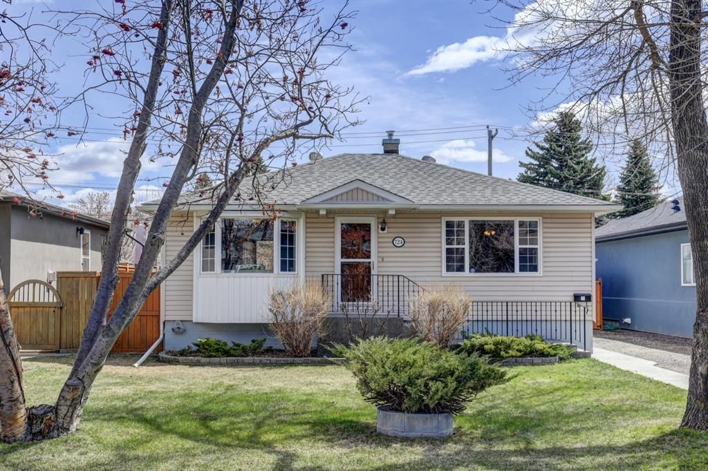Main Photo: 724 35A Street NW in Calgary: Parkdale Detached for sale : MLS®# A1100563