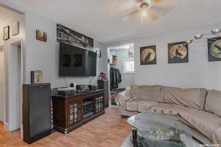 Photo 3: 819 H Avenue North in Saskatoon: Westmount Residential for sale : MLS®# SK852925