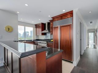 Photo 10: 803 428 BEACH Crescent in Vancouver: Yaletown Condo for sale (Vancouver West)  : MLS®# R2072146