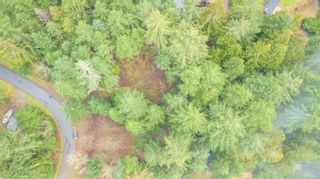 Photo 2: 2604 Yardarm Rd in : GI Pender Island Land for sale (Gulf Islands)  : MLS®# 863927