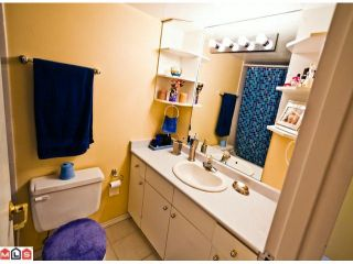 """Photo 7: 220 1442 BLACKWOOD Street: White Rock Condo for sale in """"Blackwood Manor"""" (South Surrey White Rock)  : MLS®# F1106343"""